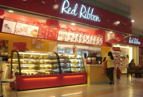 red ribbon bakeshop swot Presented by: de los santos, bon gerwill started the first julie's bakeshop in wireless or ma'am julie as she prefers.