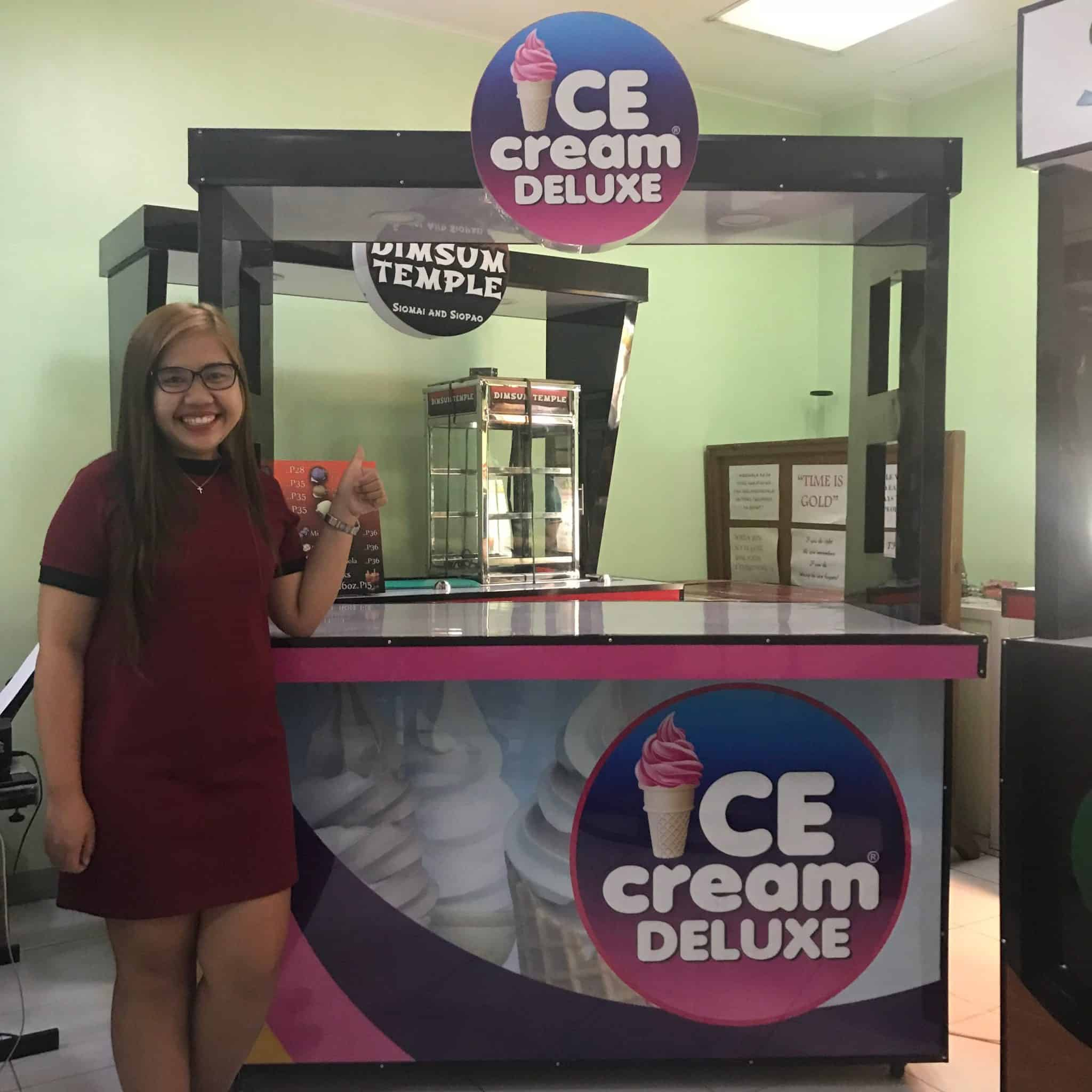 ice cream deluxe logo
