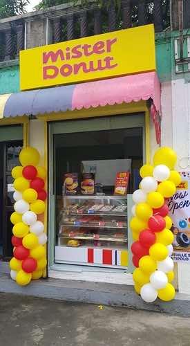 Mister Donut kiosk