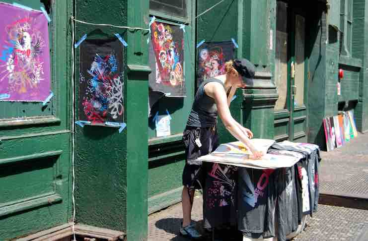 selling art on social media